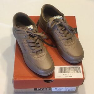Propet USA Life Walker Lace Up Shoes Taupe NWB